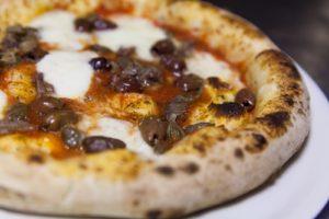 Pizzeria Fratelli Pummarò di Torino - Pizza Siciliana