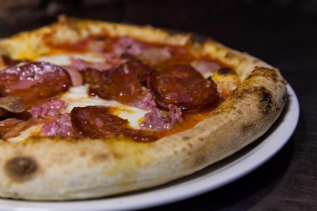 Pizzeria Fratelli Pummarò di Torino - Pizza Tre Porcellini